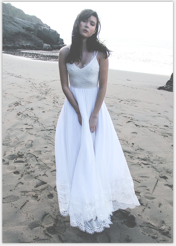 Real beautiful beach wedding dresses white wedding dresses for White beach wedding dresses for guests