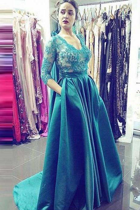 Magnetic Scoop 3/4 Sleeves Sweep Train Hunter Prom Dress with Lace Beading