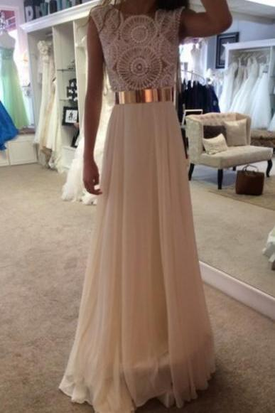 Elegant Round Neck Chiffon White Long Evening/Prom Dress With Beading